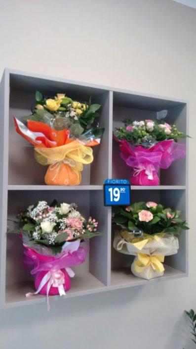 Esposizione bouquet negozio di fiori